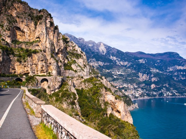Road-to-Amalfi