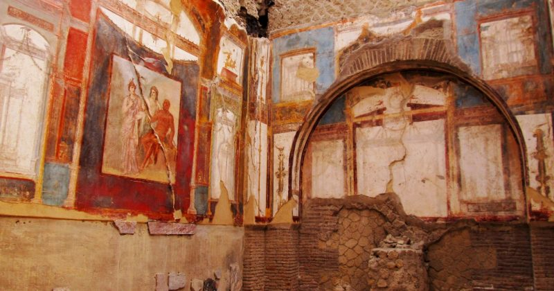 17118675 - ancient painted wall frescos at the ancient roman city of herculaneum, which was destroyed and buried during the eruption of mount vesuvius in 79 ad
